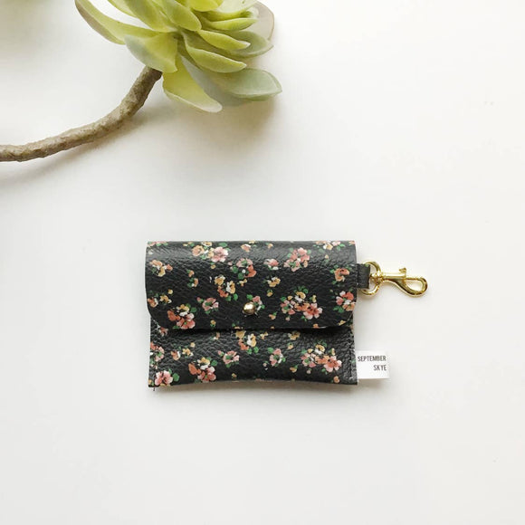 Leather card wallet in black floral