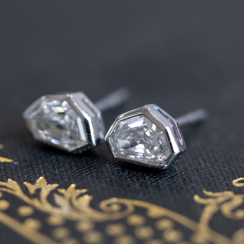 .70ctw (est) Antique Heptagon Stud Earrings