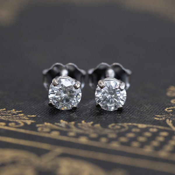 .66ctw Round Cut Cut Diamond Studs