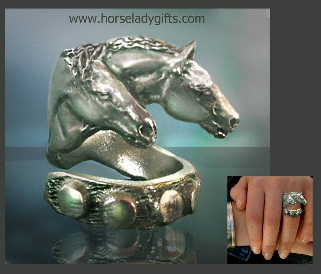 Two Horses  Ring