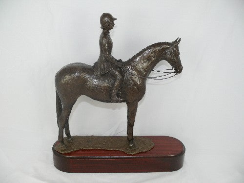 Mary Pinsent - Ridden Hack Statue