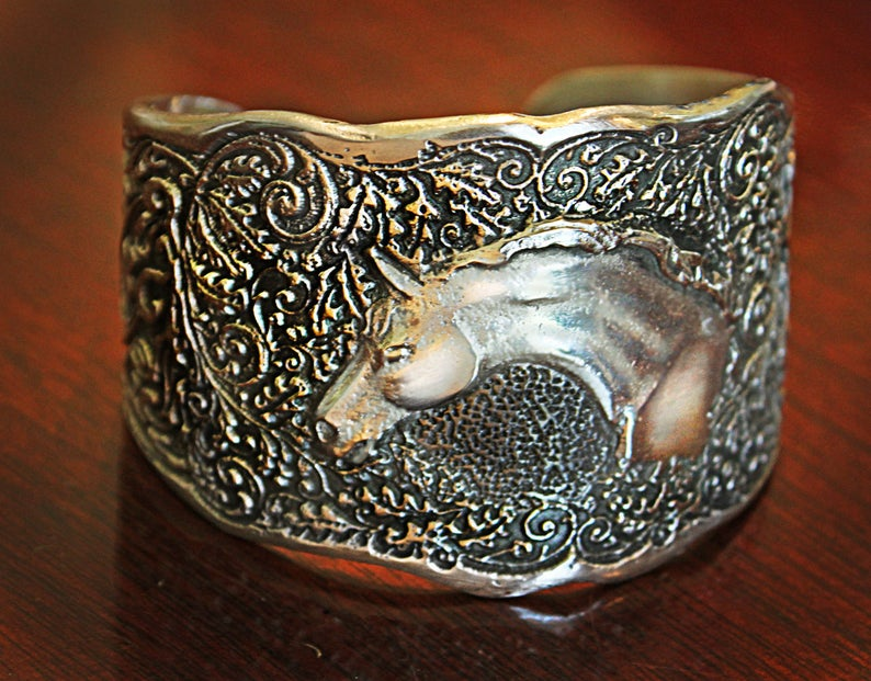 Arabian Head Oak Pattern Cuff
