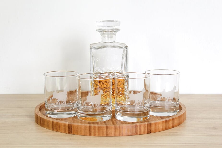 Pacing Glass Tumbler Set