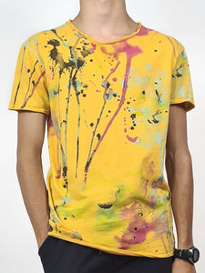 Tee shirt tie and dye , coloris jaune