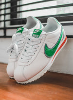 "Nike x Hawkins High Cortez ""Stranger Things"""