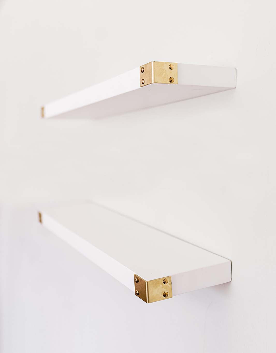 The Noelle (White) - Floating Shelves with Gold Metal Corners, All Wood Wall Shelves, 3 Coat Lacquer Finish- Set of 2 - Bedroom, Bathroom, Kitchen - 24 x 6 x 1.5 in