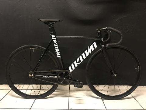 Unknown Singularity Track Bike with Conquer wheels