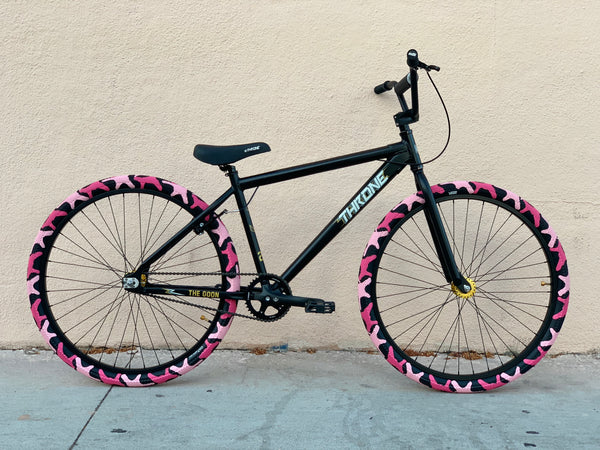 Throne Da'Goon Bike w/ Cult Camo Tires