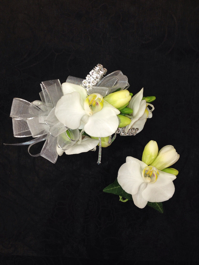 Corsage & Boutonniere (W802)
