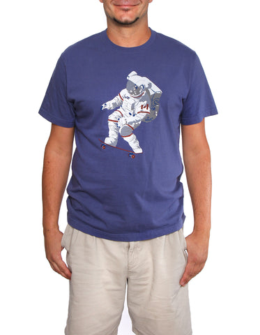Official Chris Hadfield Skateboarding Astronaut Men's T-Shirt (Royal)