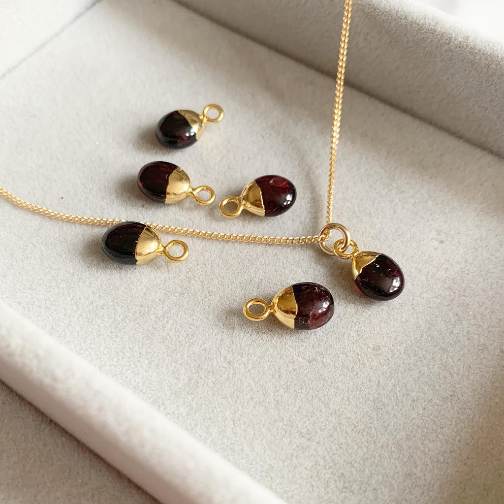 Tiny Tumbled Gemstone Necklace - JANUARY, Garnet - Decadorn