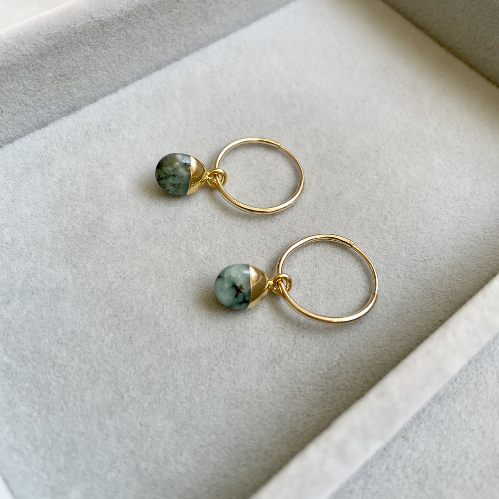 Tiny Tumbled Gemstone Hoop Earrings - MAY, Emerald - Decadorn
