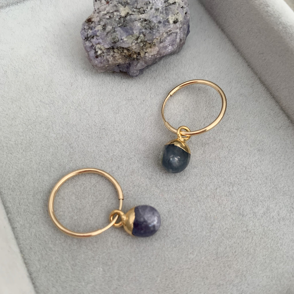 Tiny Tumbled Gemstone Hoop Earrings - DECEMBER, Tanzanite - Decadorn