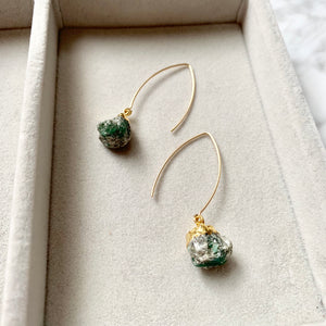 Birthstone Dropper Earrings - MAY, Emerald - Decadorn
