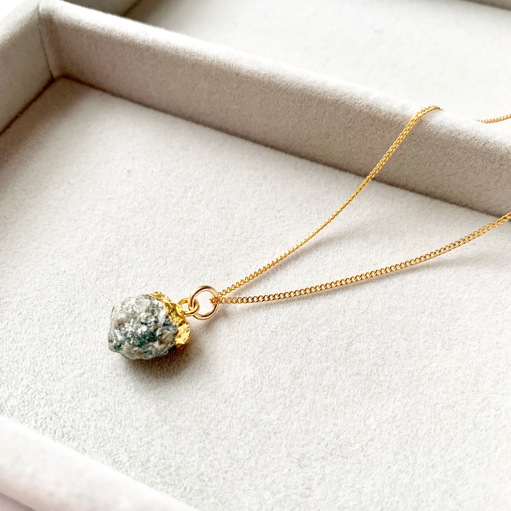 Birthstone Necklace - MAY, Emerald - Decadorn