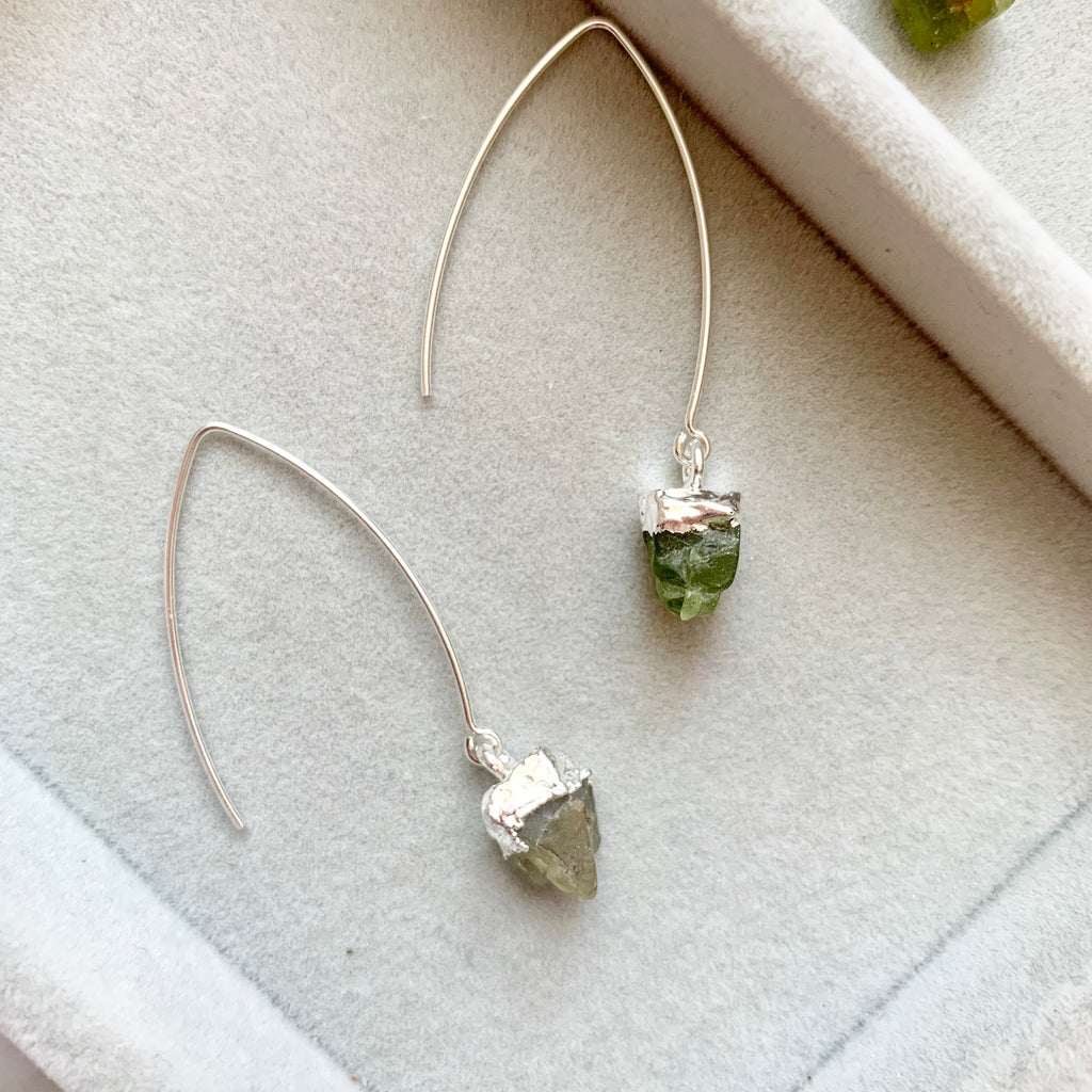 Birthstone Dropper Earrings - Silver - AUGUST, Peridot - Decadorn