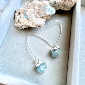 Birthstone Dropper Earrings - Silver - MARCH, Aquamarine - Decadorn