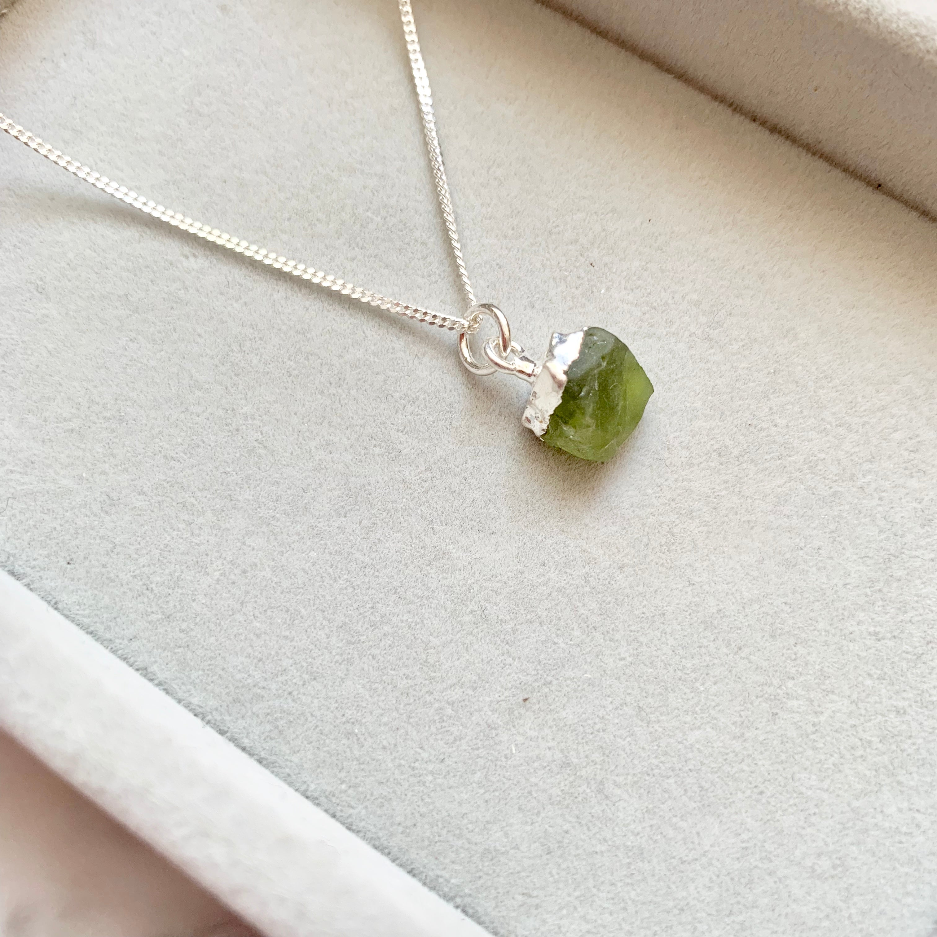 Birthstone Necklace - Silver - AUGUST, Peridot - Decadorn