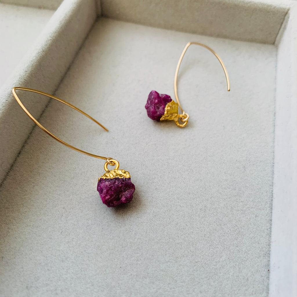 Birthstone Dropper Earrings - JULY, Ruby - Decadorn