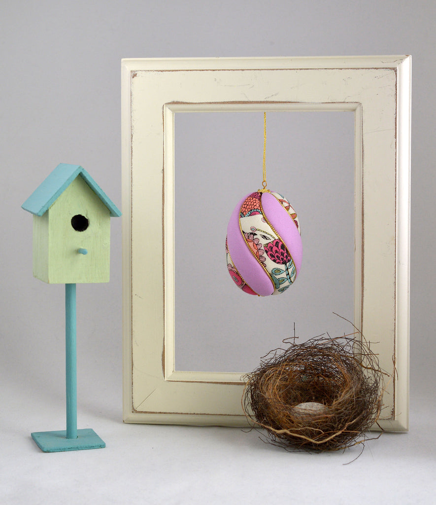 kimekomi Easter egg ornament hanging in picture frame