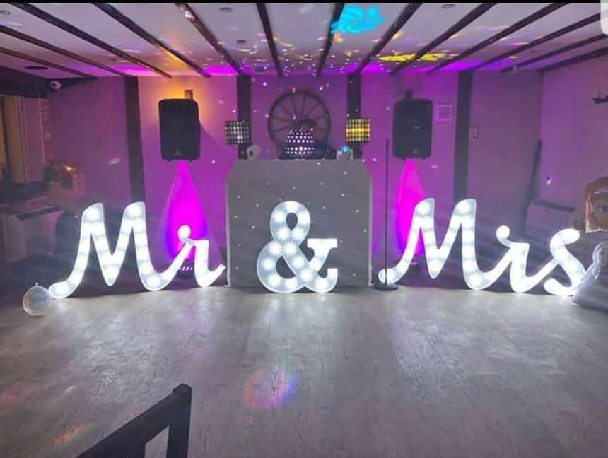 LED Mr & Mrs Letters