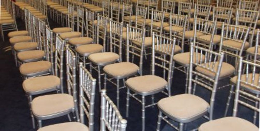 Silver chiavari chairs hire in hertfordshire, bedfordshire, buckinghamshire, cambridgeshire, London and South of England
