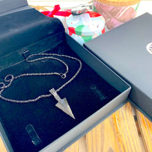 Load image into Gallery viewer, Black Arrow Point Pendant and Chain - Sharpman - Gifti | Gifts they will love