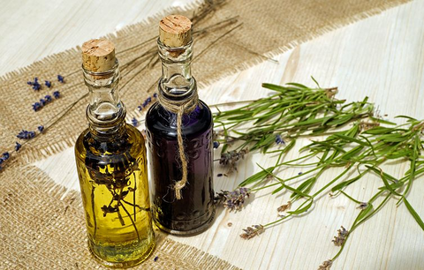 Top 5 Essential Oils That Are Perfect for Hair Growth and Loss And How to Use Them