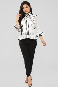 Always Late Top - White/Black
