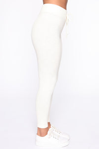 Wanderlust Leggings - Cream Angle 3
