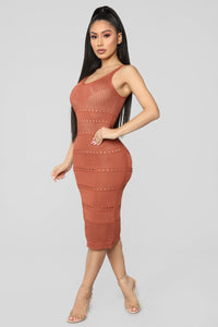 Walk On The Beach Midi Dress - Marsala Angle 3
