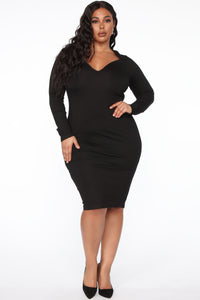 Well Respected Midi Dress - Black Angle 5