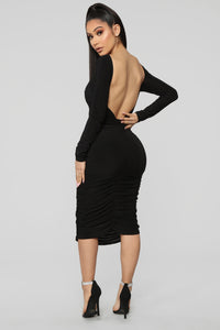 Pure Envy Ruched Midi Dress - Black