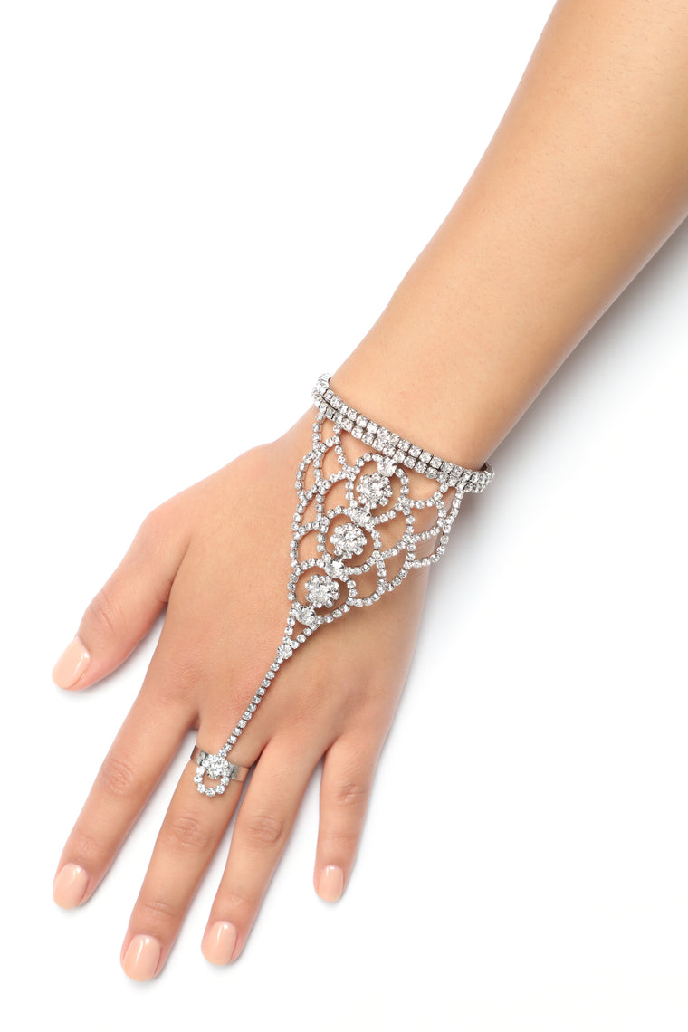 The Royal Hand Chain - Silver