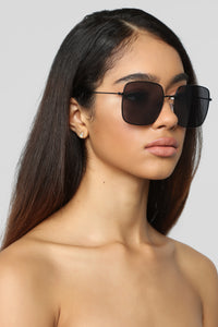 Be Amazed Sunglasses - Black