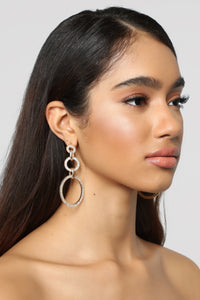 Can't Chain My Mind Earrings - Gold