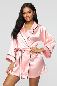 Bride Squad Robe - Pink/Black