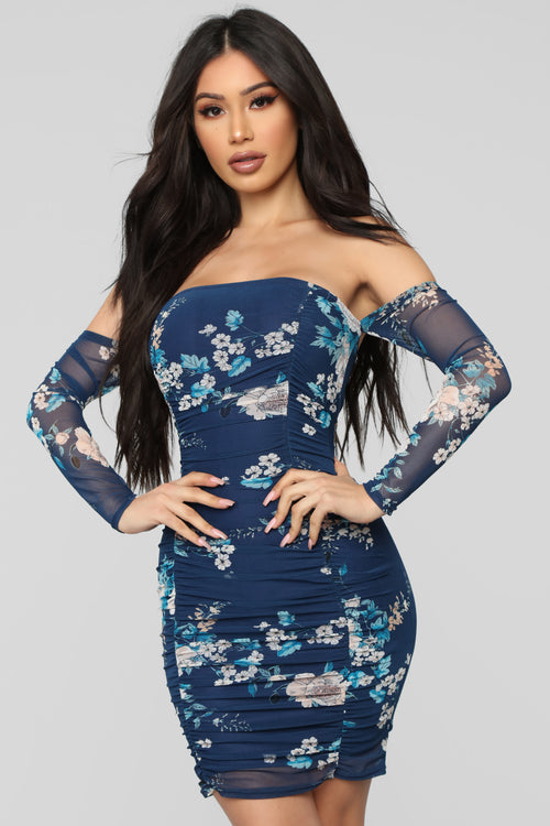 Seems Like A Dream Floral Ruched Dress - Navy