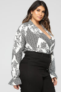 Sophisticated Mama Bodysuit - Black/White