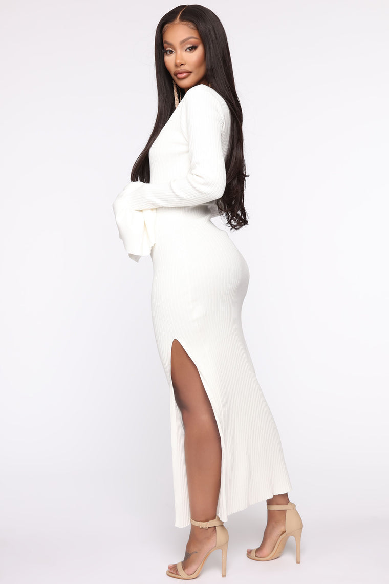 Living In Chicago Sweater Midi Dress - White