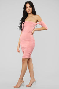 Doll Face Ruched Dress - Pink