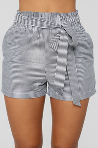No Loose Ends Tie Waist Shorts - Black/White