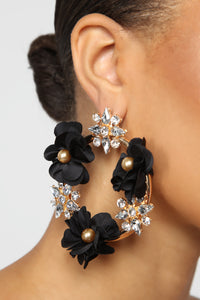 Power In Flowers Earrings - Gold/Black