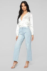 Smooth Talkin' Button Down Top - White