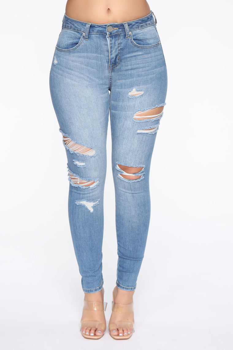 Justine Distressed Ankle Jeans - Light Blue Wash