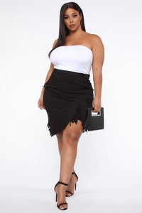 Live 2 Luv Distressed Mini Pencil Skirt - Black Angle 7