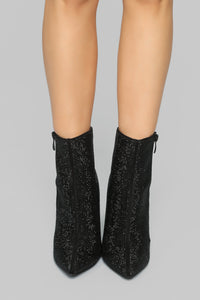 Follow The Leader Booties - Black