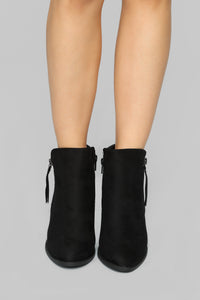Hurry On Booties - Black