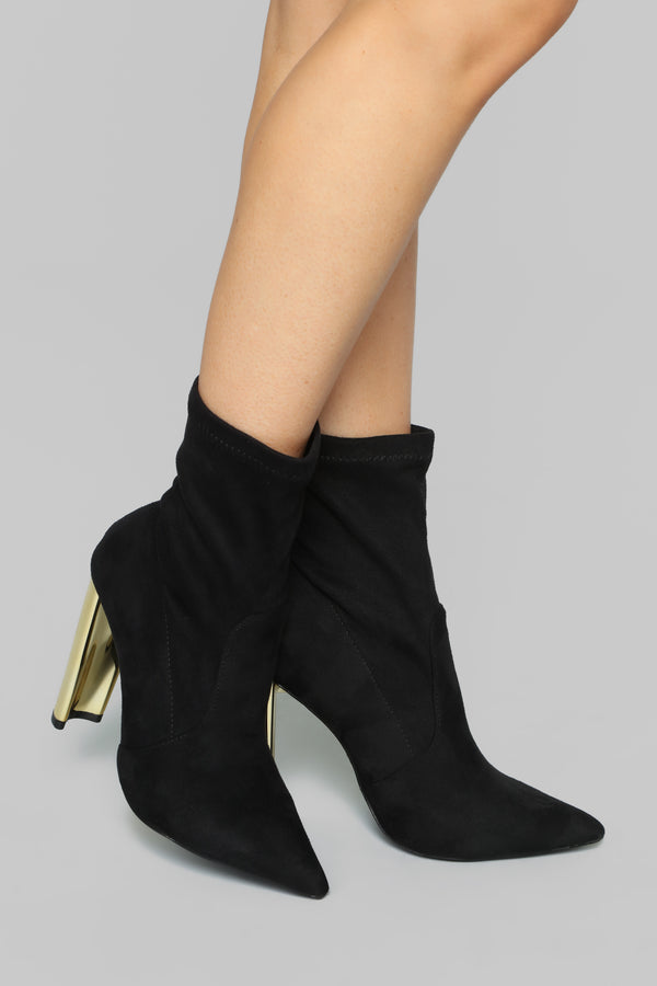 8dd284297dea7d Top Of The List Booties - Black