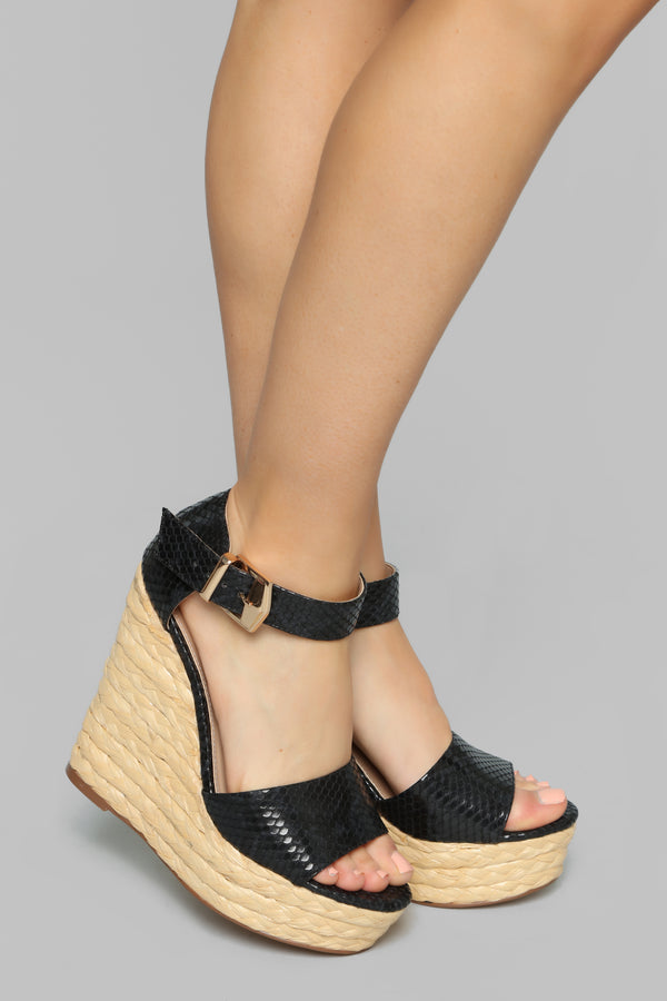 0a92e7e56670 Just Peachy Wedge - Black